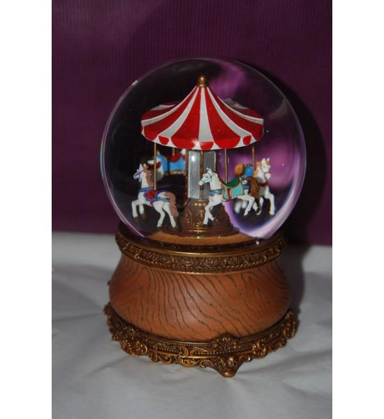 Boule neigeuse carrousel