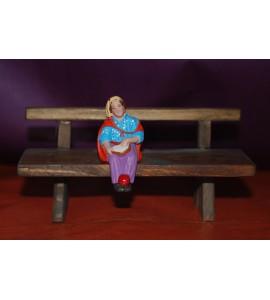 L'Enfant gitan assis