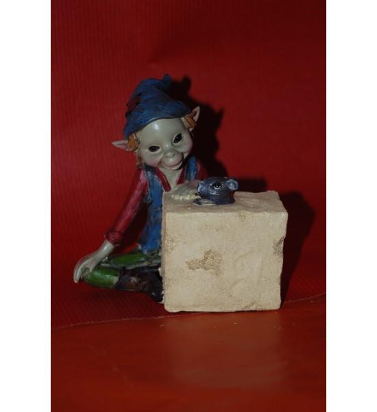 Pixie avec un Morceau de Fromage