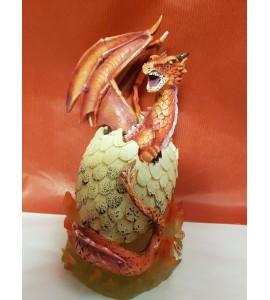Dragon Rouge dans son Oeuf